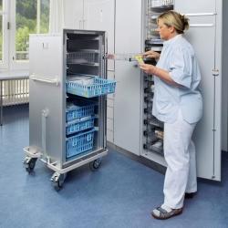 Circuito de medicamentos: cestas y cubetas, guías para cestas modulares, estanterías, carros, dispensadores